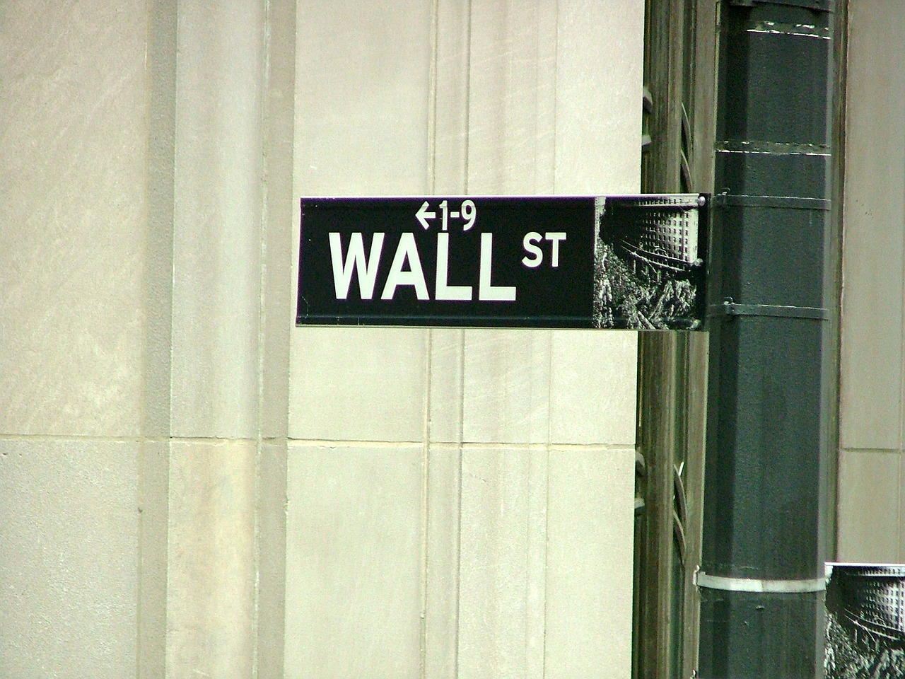 This Is Why Wall Street Is Embracing Fintech